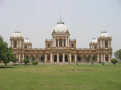 Bahawalpur-A-view-of-Noor-Mahal