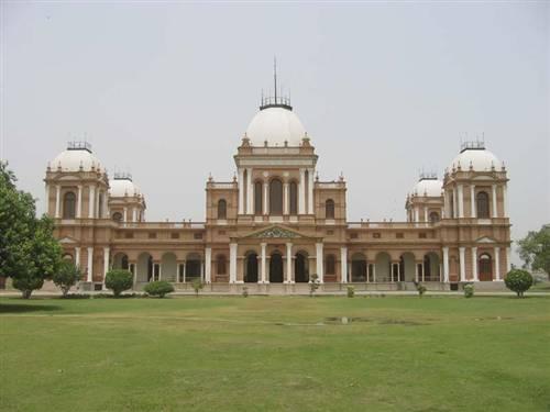 Bahawalpur-A-view-of-Noor-Mahal