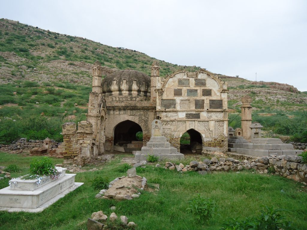 Durrani_prince_tomb_in_kohat
